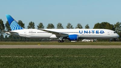 A picture of N12012 - Boeing 78710 Dreamliner - United Airlines - © Douwe C. van der Zee