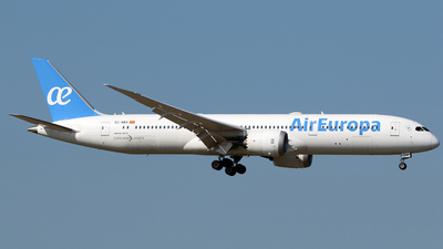 A picture of ECNBX - Boeing 7879 Dreamliner - Air Europa - © Terry Wade