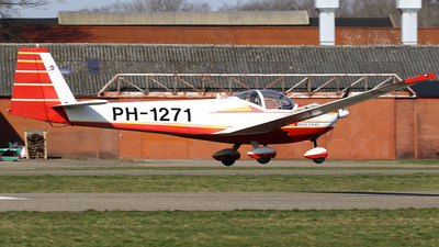 A picture of PH1271 - Scheibe SF25C RotaxFalke - [44542] - © Jeroen Stroes