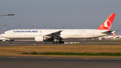 A picture of TCLJF - Boeing 7773F2(ER) - Turkish Airlines - © Sarper Duman
