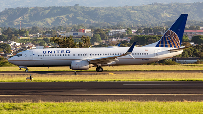 A picture of N77536 - Boeing 737824 - United Airlines - © Cristian Quijano