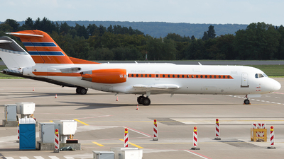 PH-KBX - Fokker 70 - Netherlands - Government