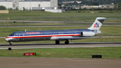 A picture of N984TW - McDonnell Douglas MD83 - [53634] - © RyRob