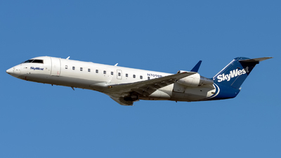 A picture of N709BR - Mitsubishi CRJ200LR - SkyWest Airlines - © Rod Dermo