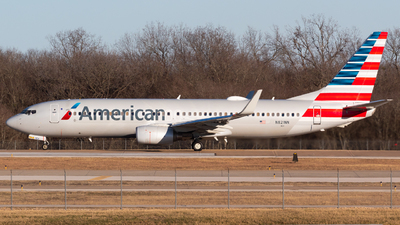 A picture of N821NN - Boeing 737823 - American Airlines - © Saul Hannibal