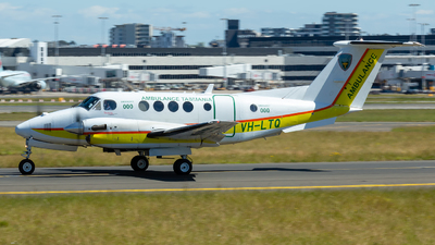 A picture of VHLTQ - Beech B200C Super King Air - [BL170] - © Mark Taylor