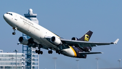 A picture of N284UP - McDonnell Douglas MD11F - UPS Airlines - © S Waki