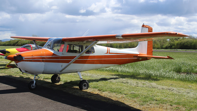A picture of N8299B - Cessna 172 Skyhawk - [36099] - © Huy Do