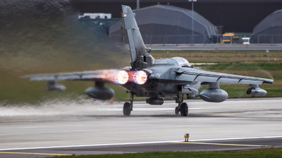 ZA553 - Panavia Tornado GR.4 - United Kingdom - Royal Air Force (RAF)