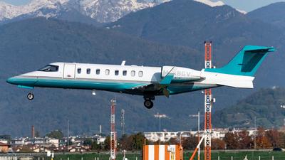 A picture of MABGV - Learjet 45 - Ryanair - © Varani Ennio