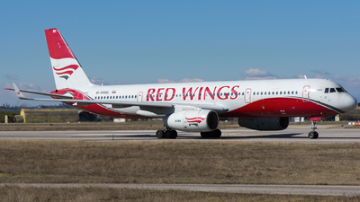 RA-64050 - Tupolev Tu-204-100B - Red Wings