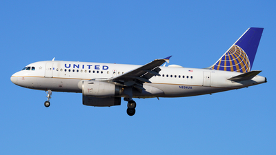 A picture of N834UA - Airbus A319131 - United Airlines - © Yoshio Yamagishi