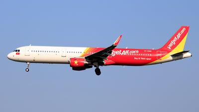 A picture of VNA628 - Airbus A321211 - VietJet Air - © photogiap