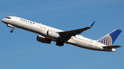 N41135 - Boeing 757-224 - United Airlines