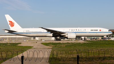 A picture of B2036 - Boeing 77739L(ER) - Air China - © TasKforce404-HK416