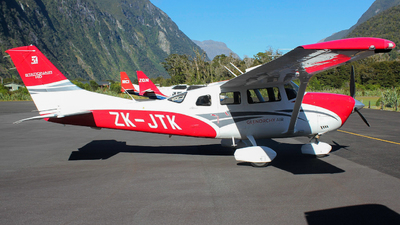 ZK-JTK - Cessna T206H Turbo Stationair HD - Glenorchy Air