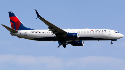 A picture of N860DN - Boeing 737932(ER) - Delta Air Lines - © Alec Mollenhauer