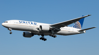 N228UA - Boeing 777-222(ER) - United Airlines