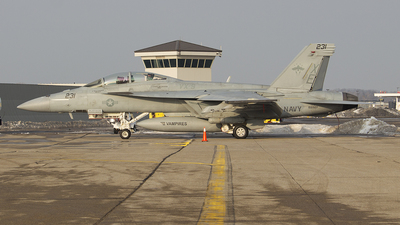 166927 - Boeing F/A-18F Super Hornet - United States - US Navy (USN)