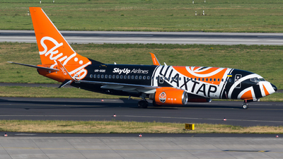 UR-SQE - Boeing 737-75C - SkyUp Airlines