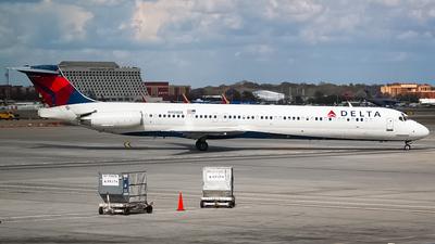 N908DE - McDonnell Douglas MD-88 - Delta Air Lines