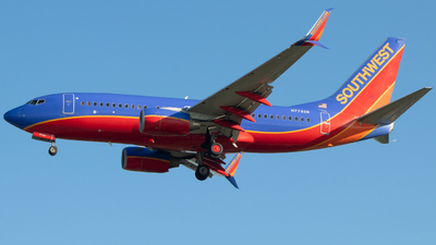 N7752B - Boeing 737-7BD - Southwest Airlines