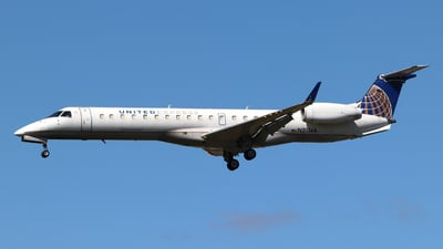 A picture of N21144 - Embraer ERJ145XR - United Airlines - © Guy Langlois