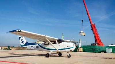 LY-BAK - Cessna 172S Skyhawk SP - Private