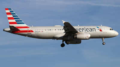 N604AW - Airbus A320-232 - American Airlines