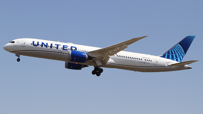 A picture of N24976 - Boeing 7879 Dreamliner - United Airlines - © M.T