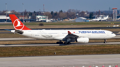A picture of TCJNP - Airbus A330343 - Turkish Airlines - © JakkoFly