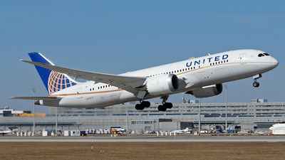 A picture of N30913 - Boeing 7878 Dreamliner - United Airlines - © Hugo Schwarzer