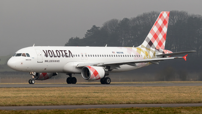 A picture of N621VA - Airbus A320214 - [2616] - © Rolf Jonsen