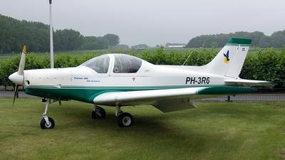 A picture of PH3R6 - Alpi Pioneer 300 Hawk - [0072] - © Paul Stam