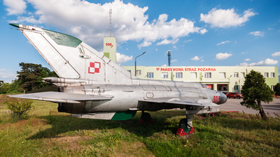 9015 - Mikoyan-Gurevich Mig-21MF Fishbed - Poland - Air Force