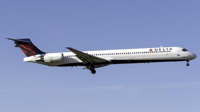 A picture of N919DN - McDonnell Douglas MD9030 - [53576] - © Kerrigan_Aviation_NJ