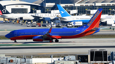 A picture of N8612K - Boeing 7378H4 - Southwest Airlines - © Rocky Wang