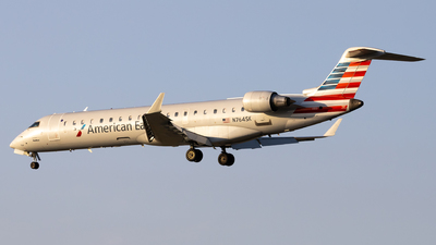 A picture of N764SK - Mitsubishi CRJ701ER - American Airlines - © Angelos Panou