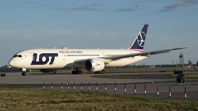 A picture of SPLSD - Boeing 7879 Dreamliner - LOT - © Jose R. Ortiz
