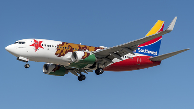 N943WN - Boeing 737-7H4 - Southwest Airlines