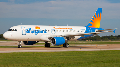 N225NV - Airbus A320-214 - Allegiant Air