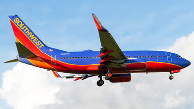N283WN - Boeing 737-7H4 - Southwest Airlines