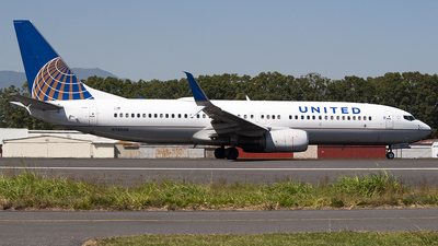 A picture of N78506 - Boeing 737824 - United Airlines - © Brian Boche