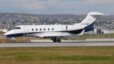 C-FLDD - Bombardier BD-100-1A10 Challenger 300 - Private
