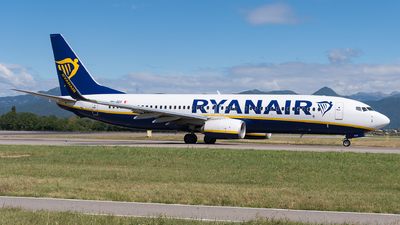 A picture of 9HQDV - Boeing 7378AS - Ryanair - © Julian Mittnacht