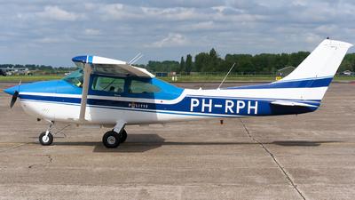 A picture of PHRPH - Cessna 182R Skylane - [18267808] - © Thimo van Dijk