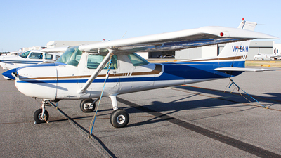 VH-EAH - Cessna 150M - Private