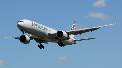 N723AN - Boeing 777-323ER - American Airlines
