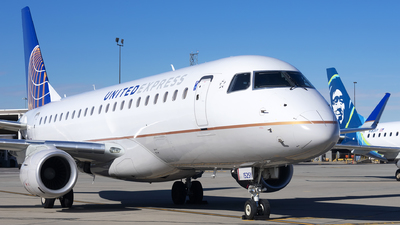 A picture of N152SY - Embraer E175LR - United Airlines - © Michael Rodeback