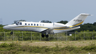 N575HP - Cessna 525 Citation CJ3 - Private